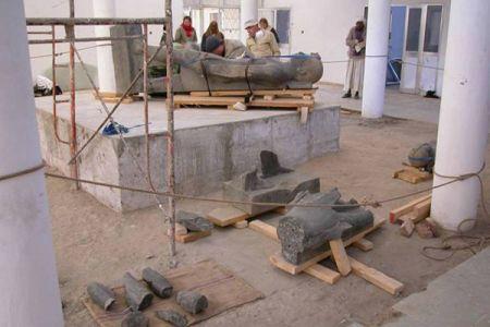 03. Statues en cours de restauration avant leur installation dans le musee .jpg