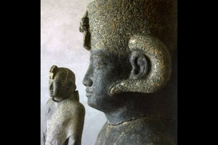 09. Statues .jpg