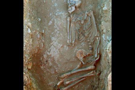 06. Epipalaeolithic tomb .jpg